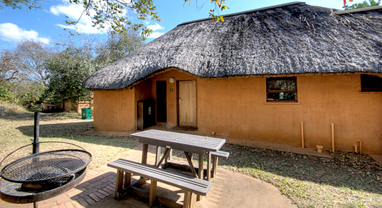 2 Bed Chalet Outside view Hilltop Camp Hluhluwe iMfolozi Game Reserve